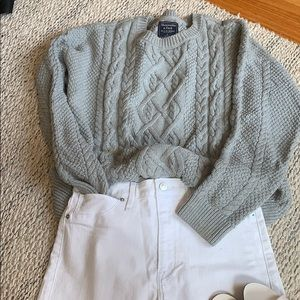 Abercrombie & Fitch grey knit sweater (L)